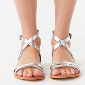 new urban Outfitters silver metallic sandals